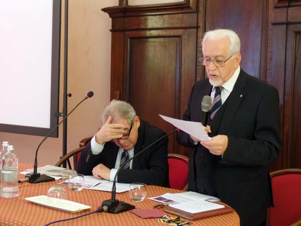 Aldo A. Mola legge il messaggio di S.A.R. la Principessa Maria Gabriella di Savoia