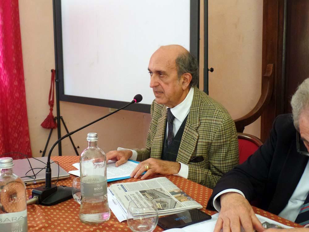 Il Prof. Tito Lucrezio Rizzo (Università La Sapienza, Roma), che ha parlato delle Metamorfosi del Regime.