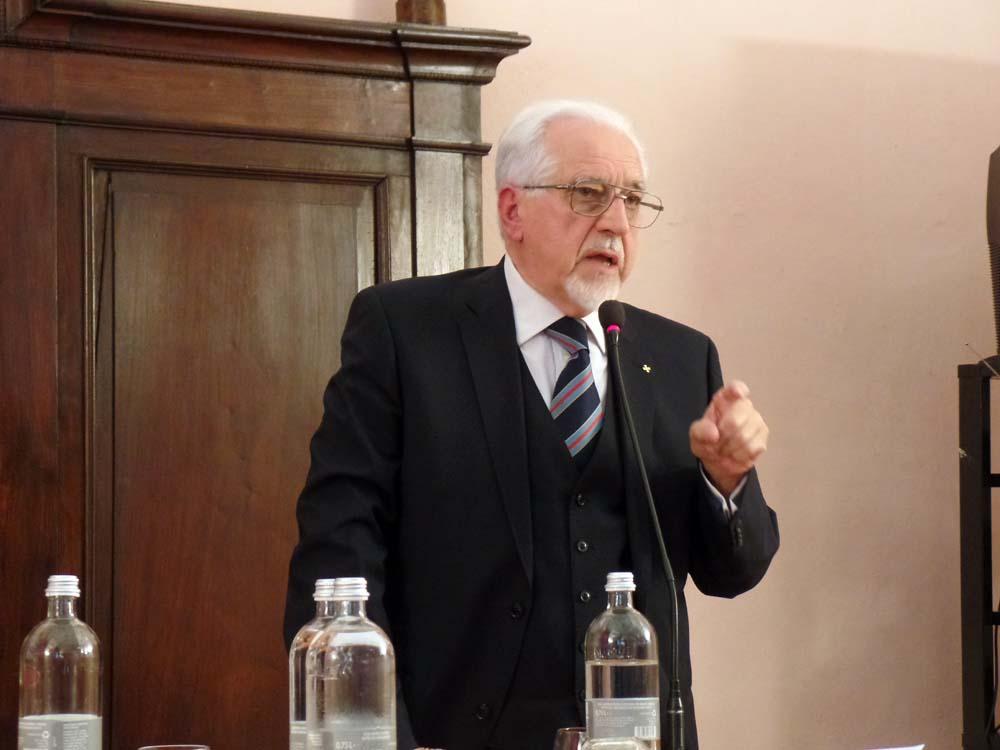"""Il Prof. Aldo A. Mola parla della Corona durante e malgrado il """"partito unico""""."""
